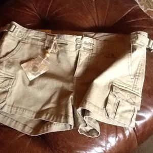 NWT SZ11 SAGE GREEN cargo shorts, 34 in waist
